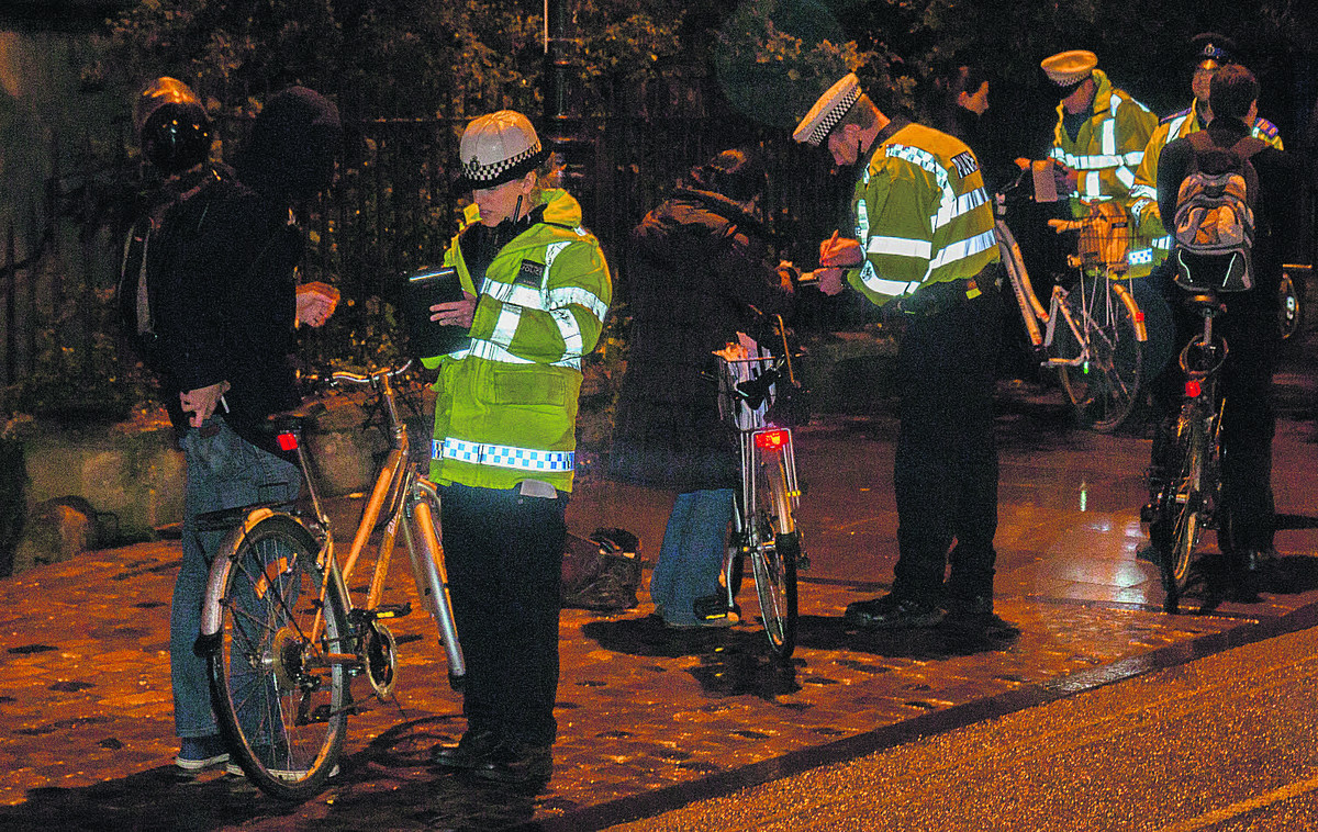 Cyclists without lights caught in police crackdown