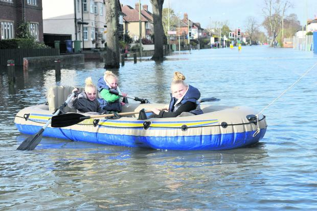 Oxford Mail: Rowing on the Abingdon Road. Left to right: Maye Ramsey, Aaliyah Boone and Kayley Simmons