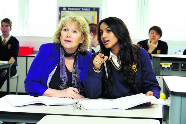Oxford Mail: Sue Croft with Zainab Azam, 16, in a science lesson in the new block