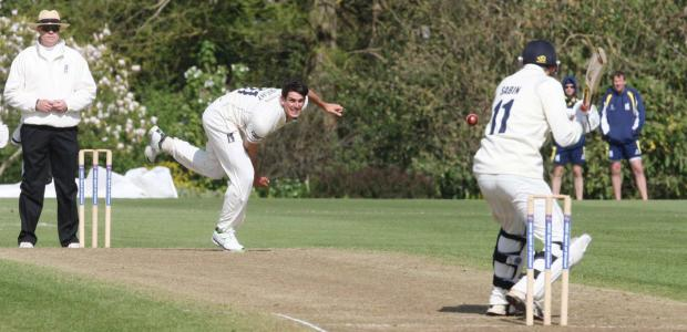 Oxford MCCU's Lloyd Sabin faces up to Chris Wright