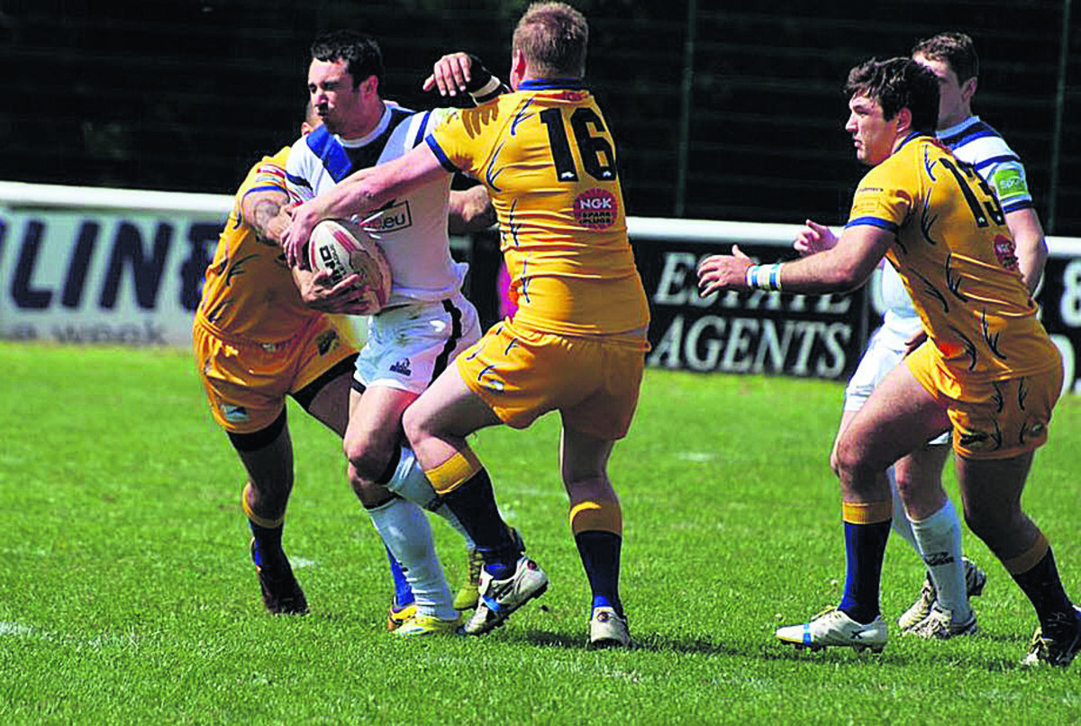 Oxford's Andrew Hoggins in full flow against Hemel Stags  Picture: Adrian Smith