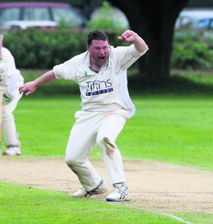 Paul White appeals successfully in Abingdon Vale's defeat at Oxford & Bletchingdon Nondescripts