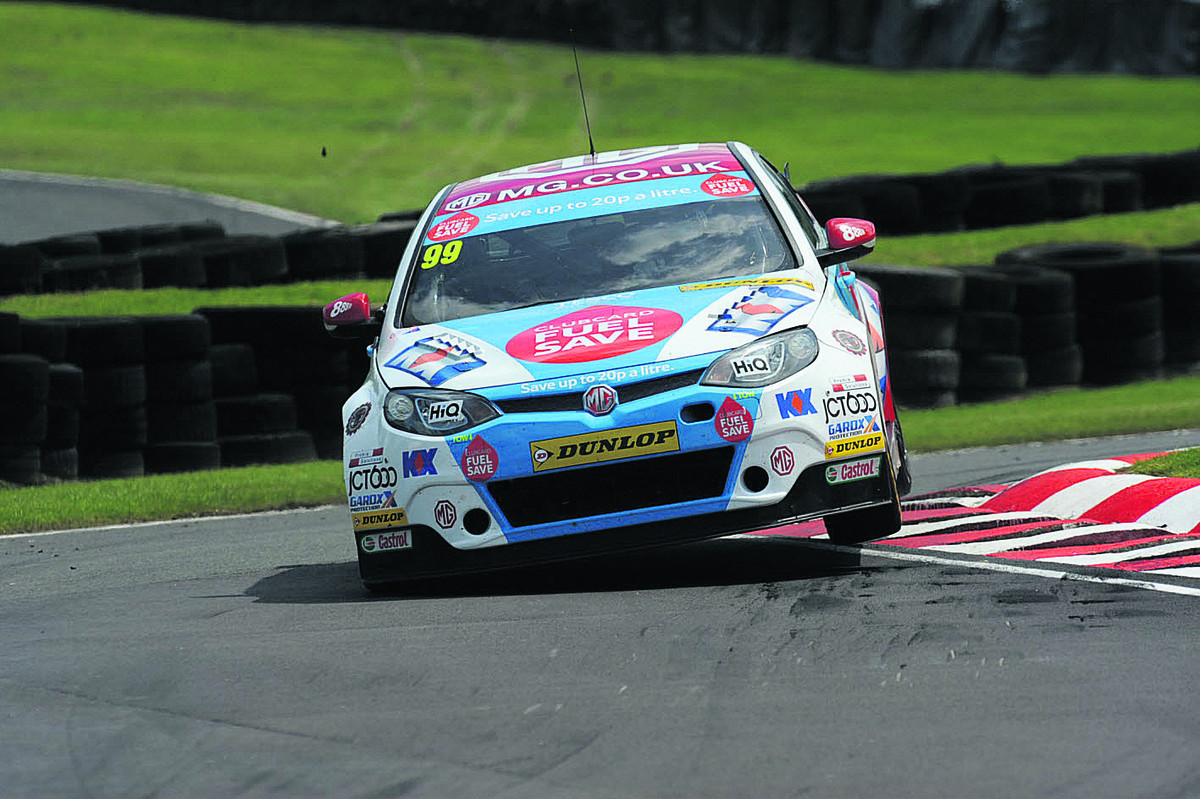 Jason Plato takes the tighest line on the way to fourth spot