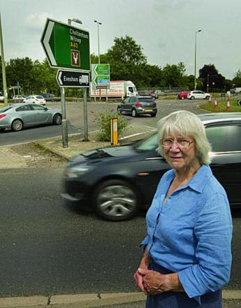 Jean Fooks at Wolvercote roundabout