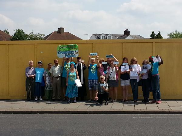 Campaigners protest outside former community centre in Cowley