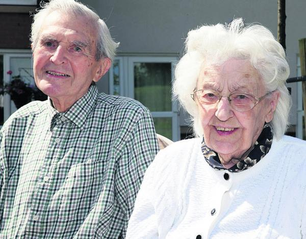 Trevor and Patricia Bass at  Yarnton Residential and Nursing Home celebrate their 66th wedding anniversary