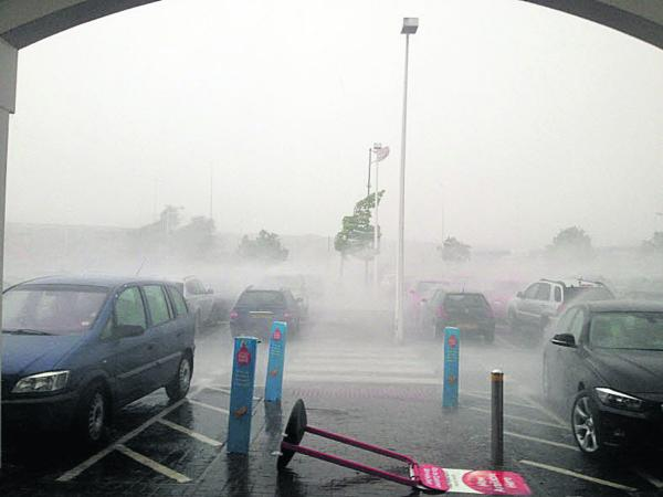 Jonathan McIlwaine took this picture of the storm at Oxford Retail Park