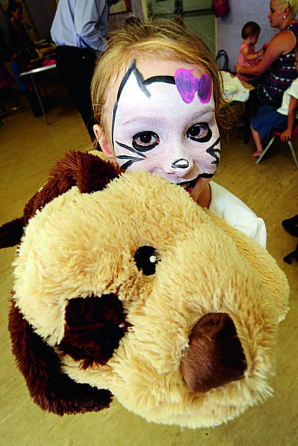 "Aspen Harris, six, at the event with the ""Guess the Name"" doggy.  Pictures:  OX68733 David Fleming"