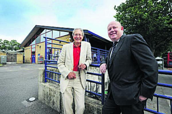 City council leader Bob Price, left, and county council leader Ian Hudspeth at Oxford Station. Picture: OX68783 Jon Lewis
