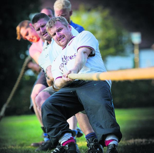 Daniel Brownsill training with Tiddington's team in preparation for their annual tug of war contest    Picture: OX68800 Damian Halliwell