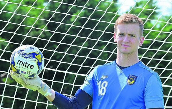 Oxford United on-loan keeper George Long says he is relishing battling it out with Max Crocombe for the No 1  jersey after the Sheffield United stopper signed a short-term deal