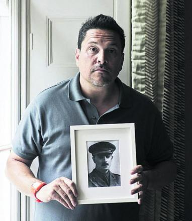 Comic Dom Joly is to remember a fallen 'Dragon'