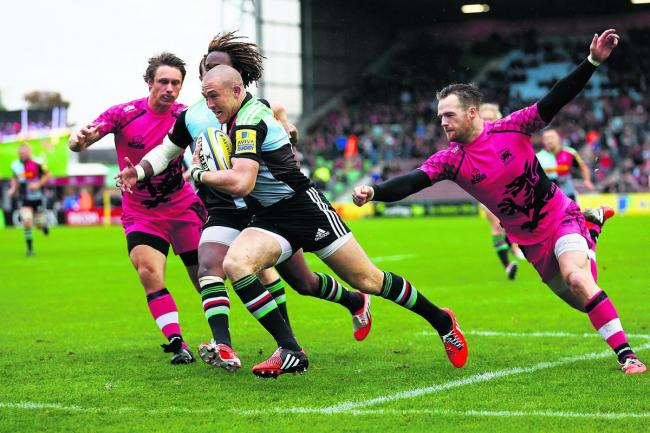 Mike Brown races over for Harlequins' fourth-minute try