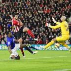 Oxford Mail: Southampton's Graziano Pelle, centre, scores past Everton goalkeeper Tim Howard
