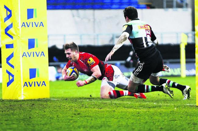 Paul Rowley bursts through to score an early try and put London Welsh ahead