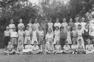 Mixed expressions on faces of Donnington Primary School pupils in 1952