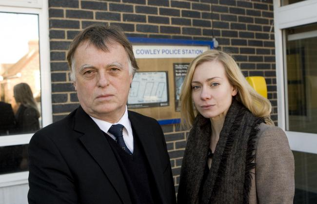 Oxford East MP Andrew Smith and Oxford West and Abingdon MP Nicola Blackwood outside the Kingfisher Unit at Cowley police station