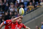 Olly Barkley is staying with London Welsh