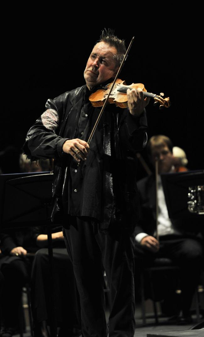 Review:Purple Haze: Nigel Kennedy rocks with a virtuoso
