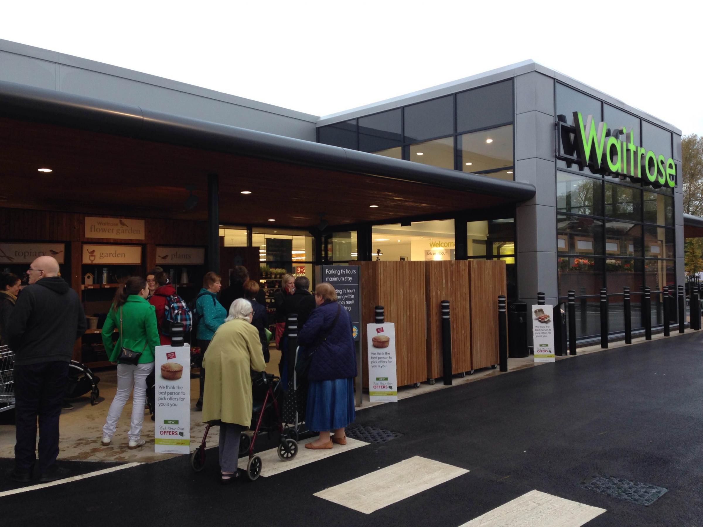 Keen Shoppers Queue To Get Into Botley Road Waitrose Oxford Mail