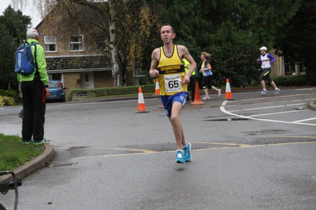 Steve Naylor on his way to victory at the Eynsham 10k Picture: Barry Cornelius