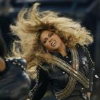 Oxford Mail: Beyonce almost fell on stage at the Super Bowl - but recovered flawlessly