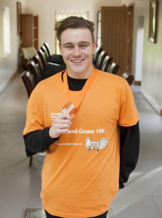 Paralympic champion Ollie Hynd hopes to inspire runners