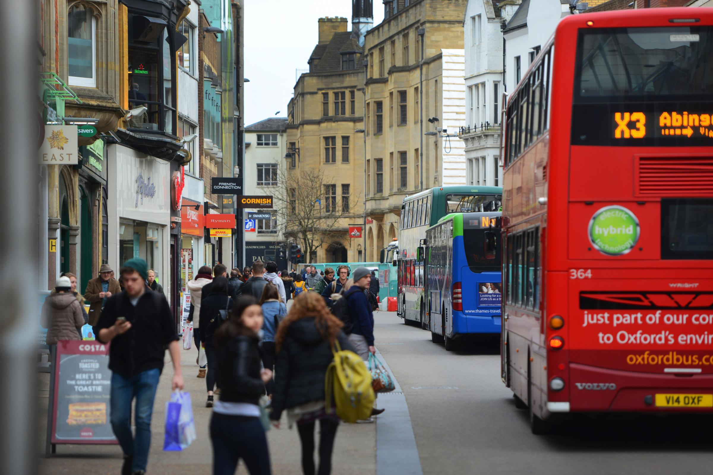 Oxfordshire County Council look to pedestrianise Queen Street