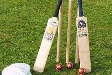 CRICKET: Ian Caunce stars for Oxfordshire veterans