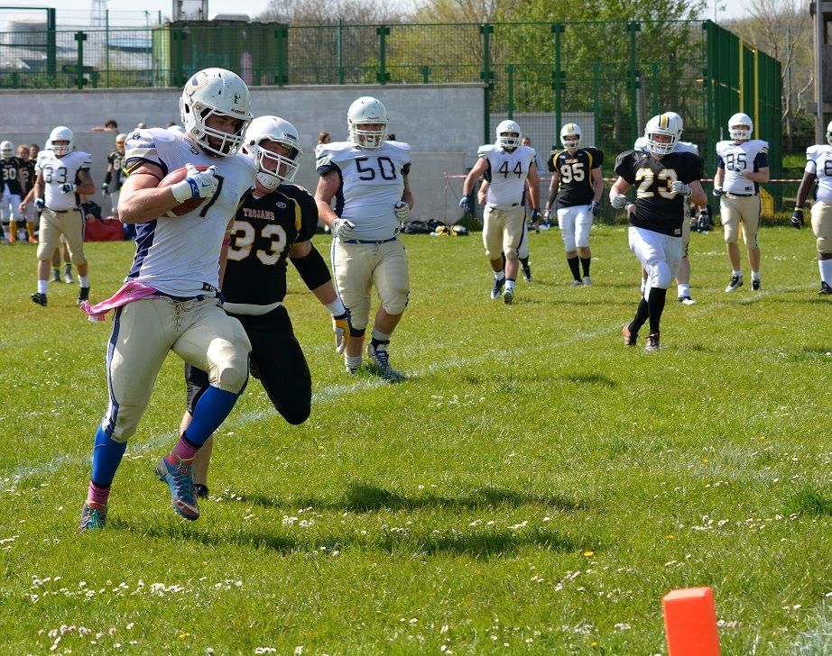 689faece01d AMERICAN FOOTBALL  James Walter stars with hat-trick as Oxford Saints go top  of the table