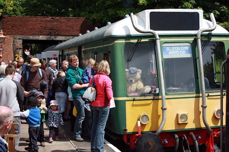 Diesel Railcar Rambler KIDS £1 at Chinnor & Princes Risborough Railway