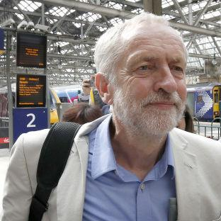 Corbyn secures seat on Virgin train | Oxford Mail