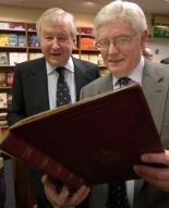 Julian Blackwell, left, with Bodleian librarian Dr Reg Carr