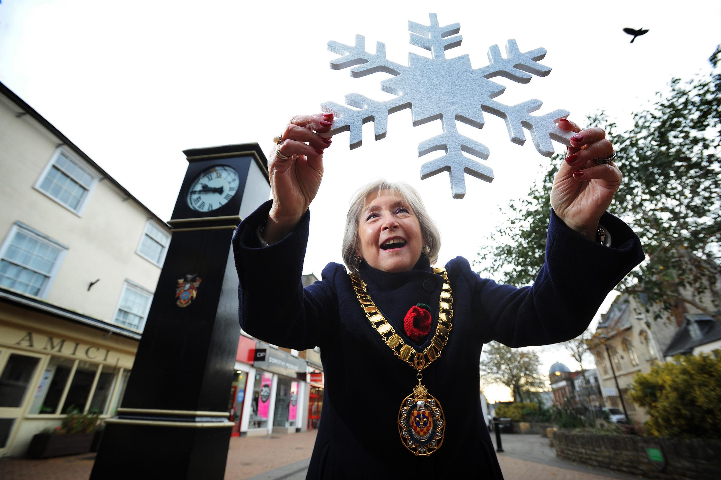 Tributes to former Bicester mayor