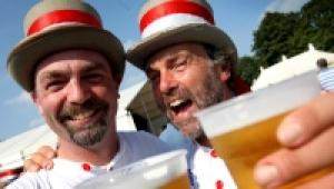 Jamerson and Simon Wooder enjoy a pint or two
