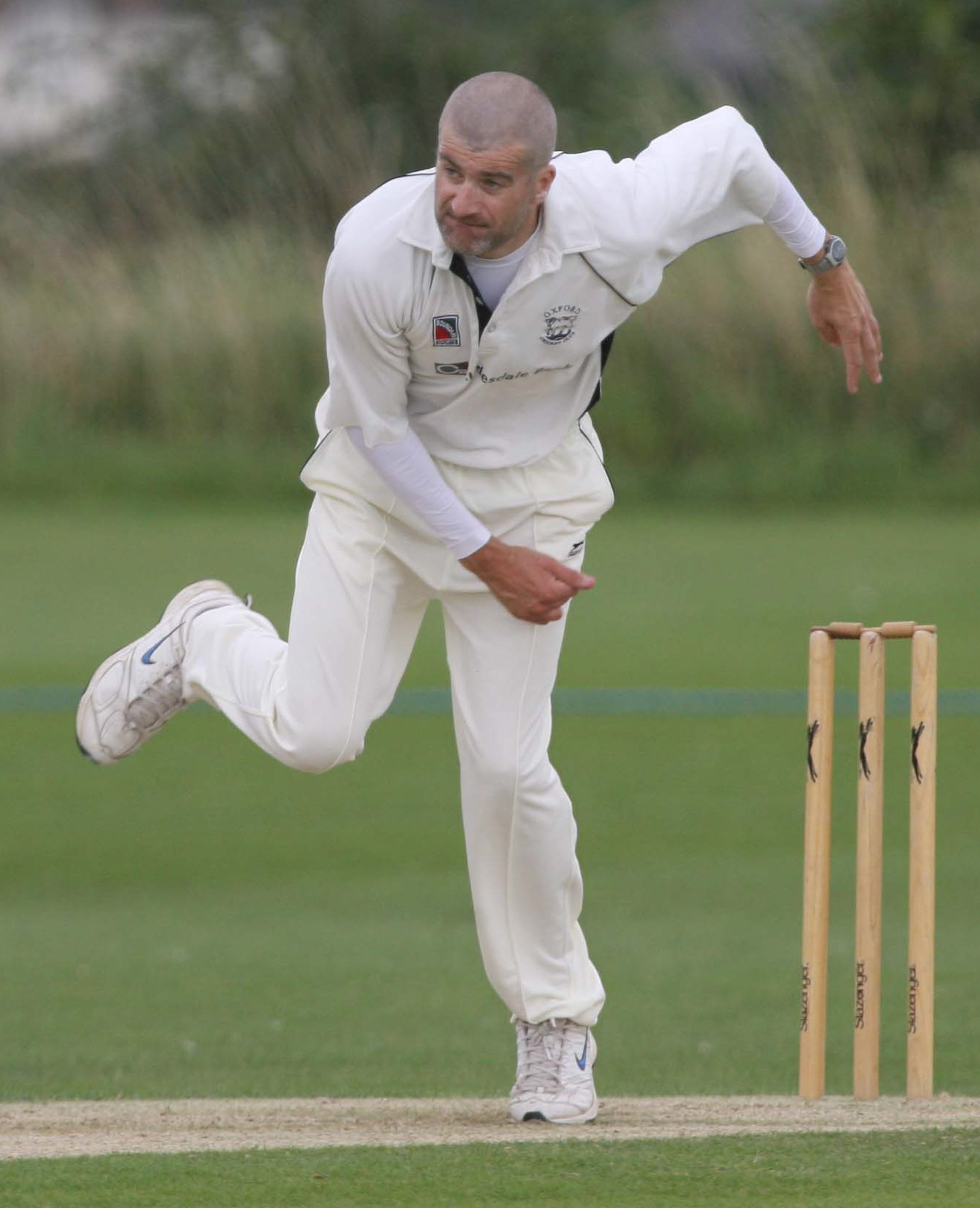 Graham Charlesworth took five wickets as Abingdon Vale defeated Cumnor