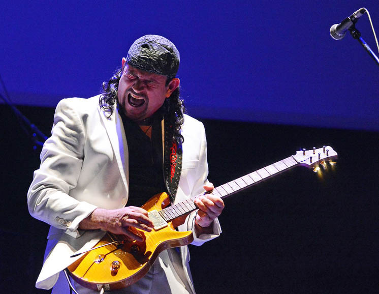 Oye Santana - Quite simply the best tribute to Santana anywhere