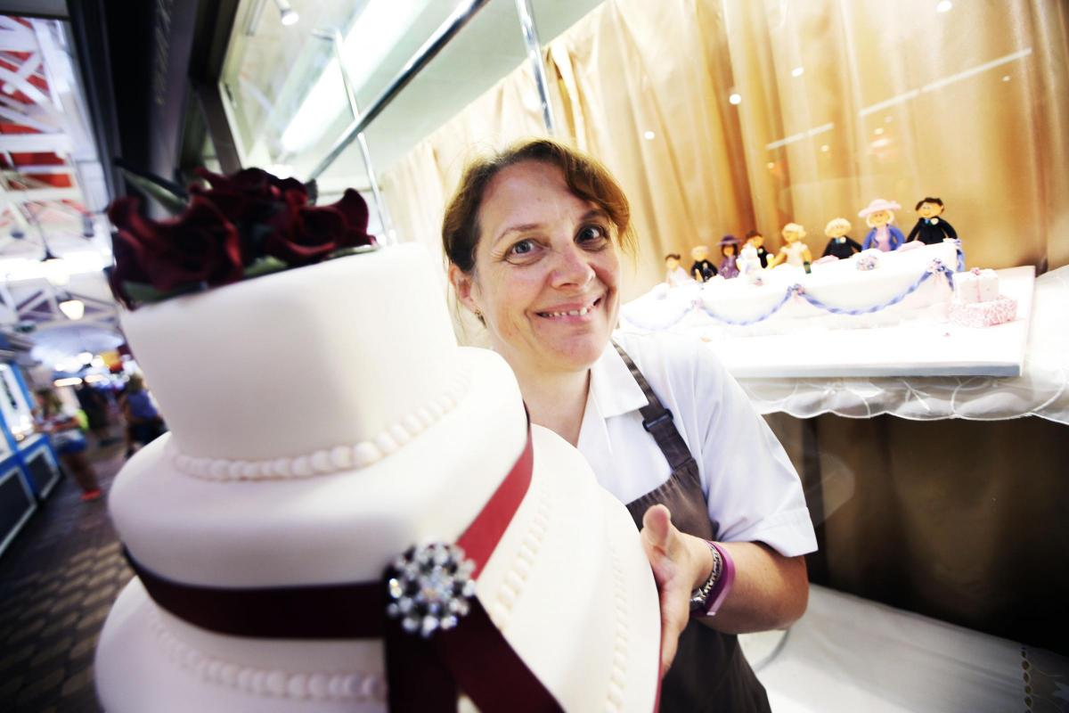 Positive PR for cakes: Oxfordshire cake makers give their reaction ...