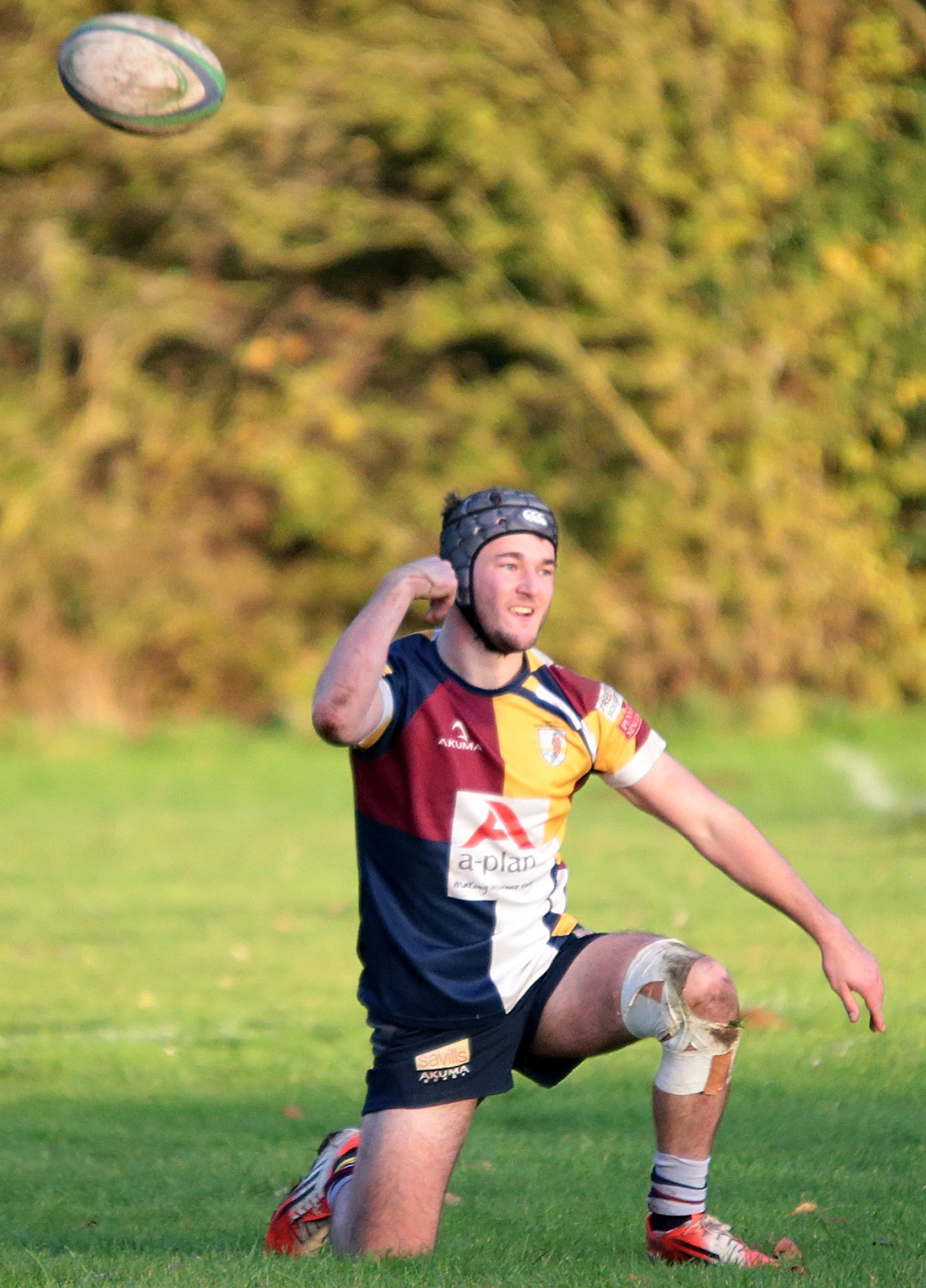 DELIGHT: Ed Yeats chucks the ball away in celebration after taking advantage of a Bicester error to run in Oxford Harlequins' final try in their 20-7 victory Picture: Ric Mellis