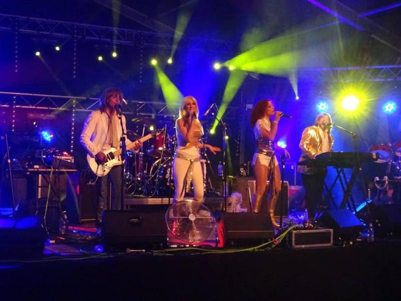 Abba Chique: Top Abba tribute band