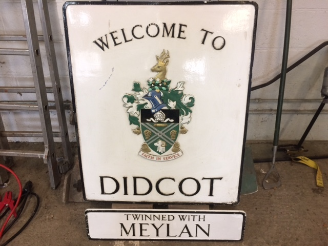 Welcome to Didcot sign