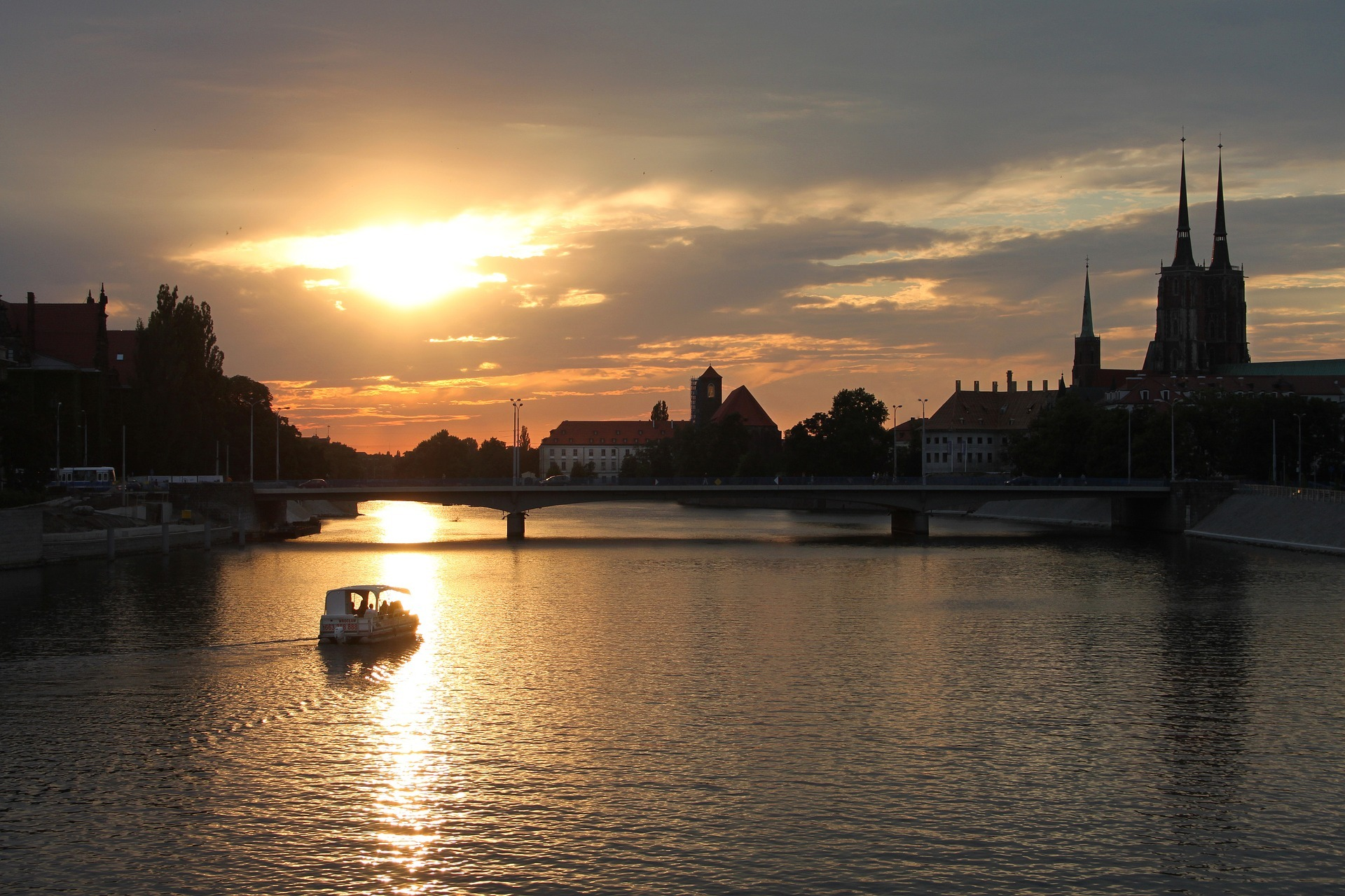 Wroclaw at sunset. Used under Creative Commons. Pic credit: Emilia Baczynska