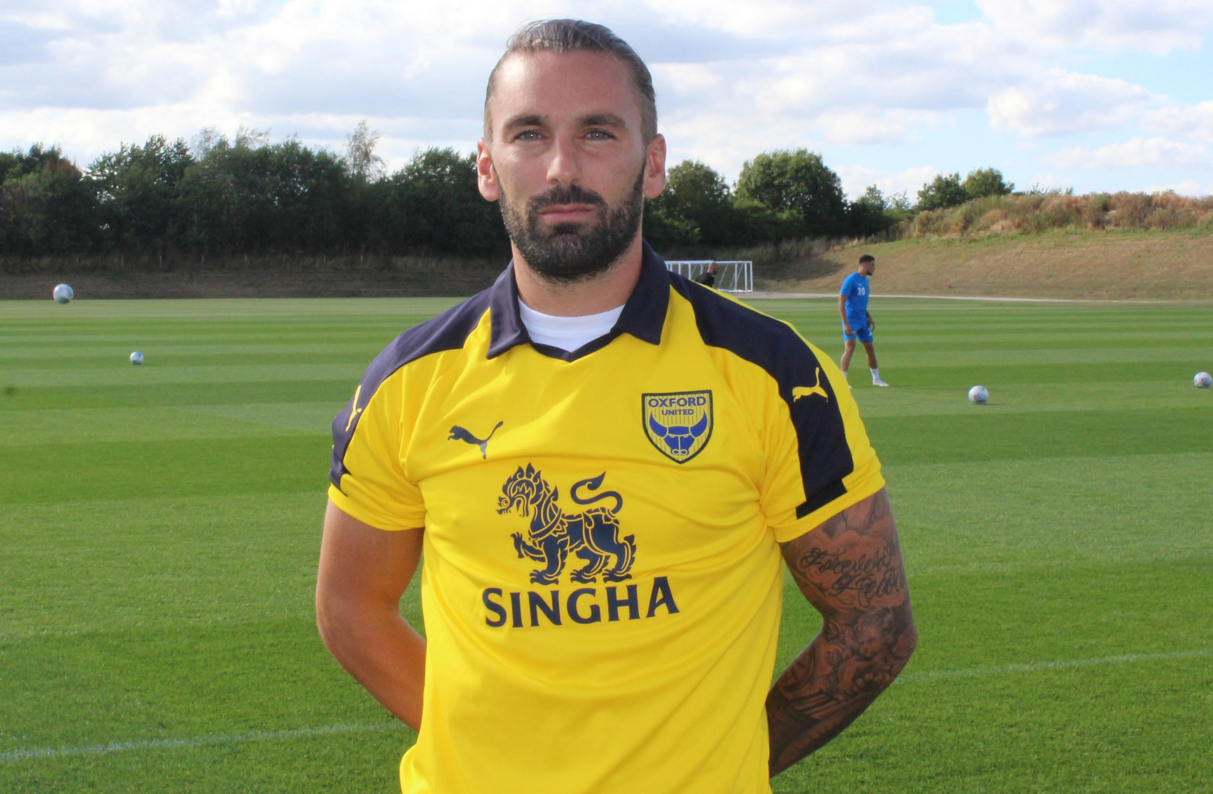 Ricky Holmes has joined Oxford United on loan