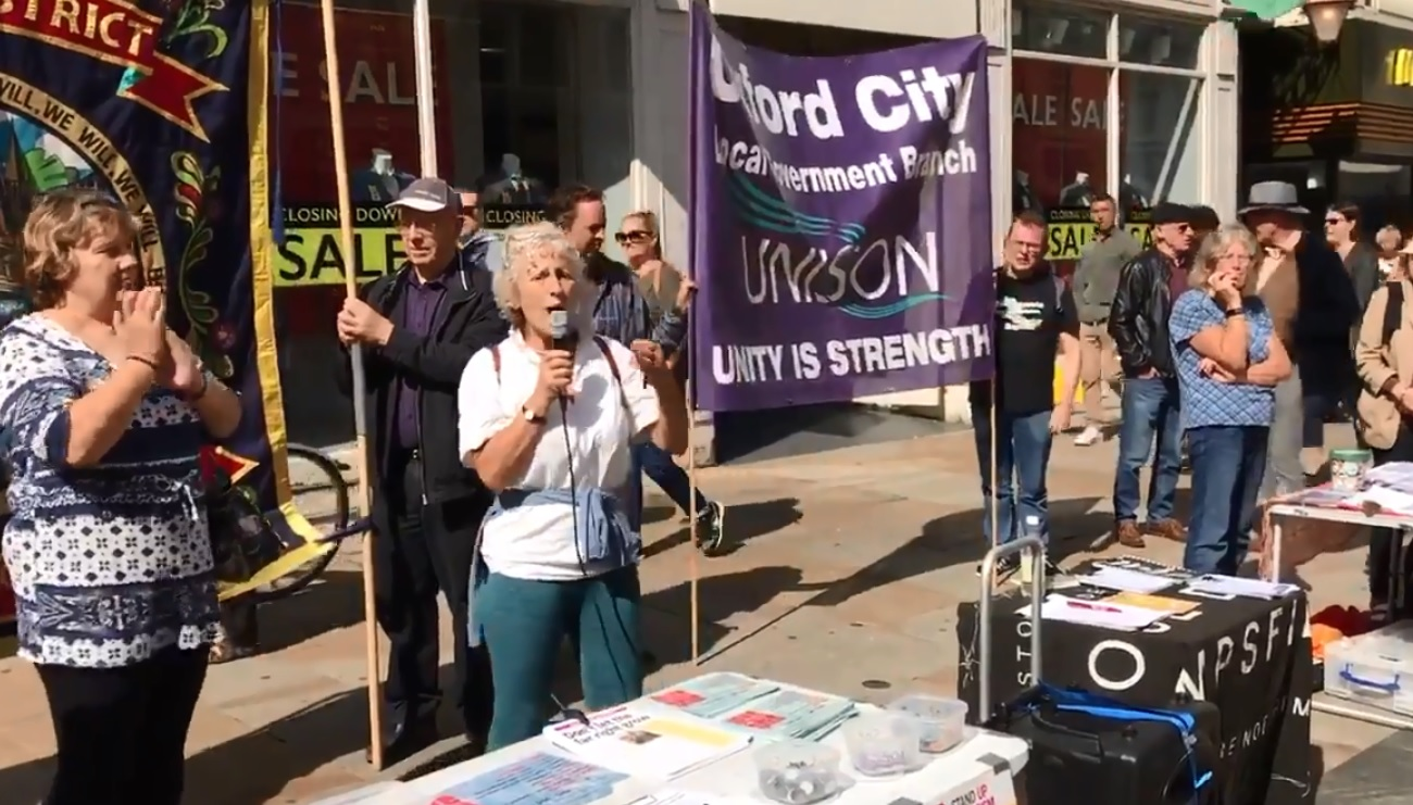 Liz Peretz from the Campaign to Close Campsfield speaking at this morning's rally.