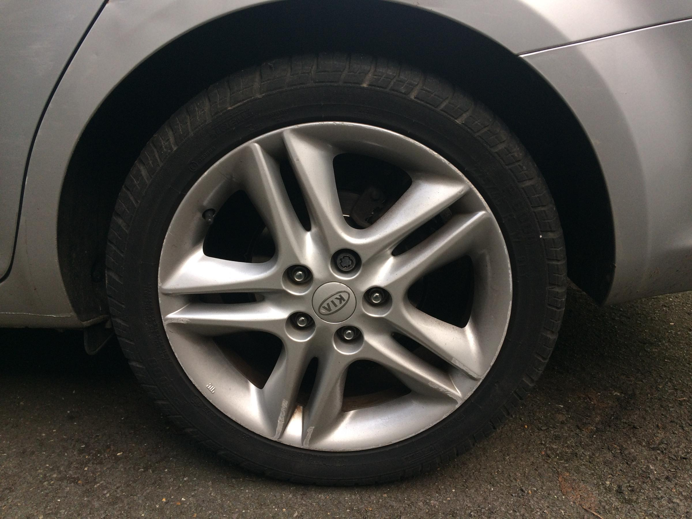 Car tyres punctured in Shiplake with four-inch masonry nails
