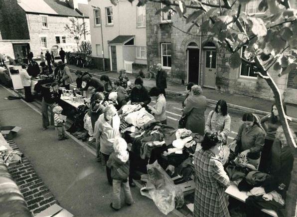 The street market on Mount Street in October 1976.
