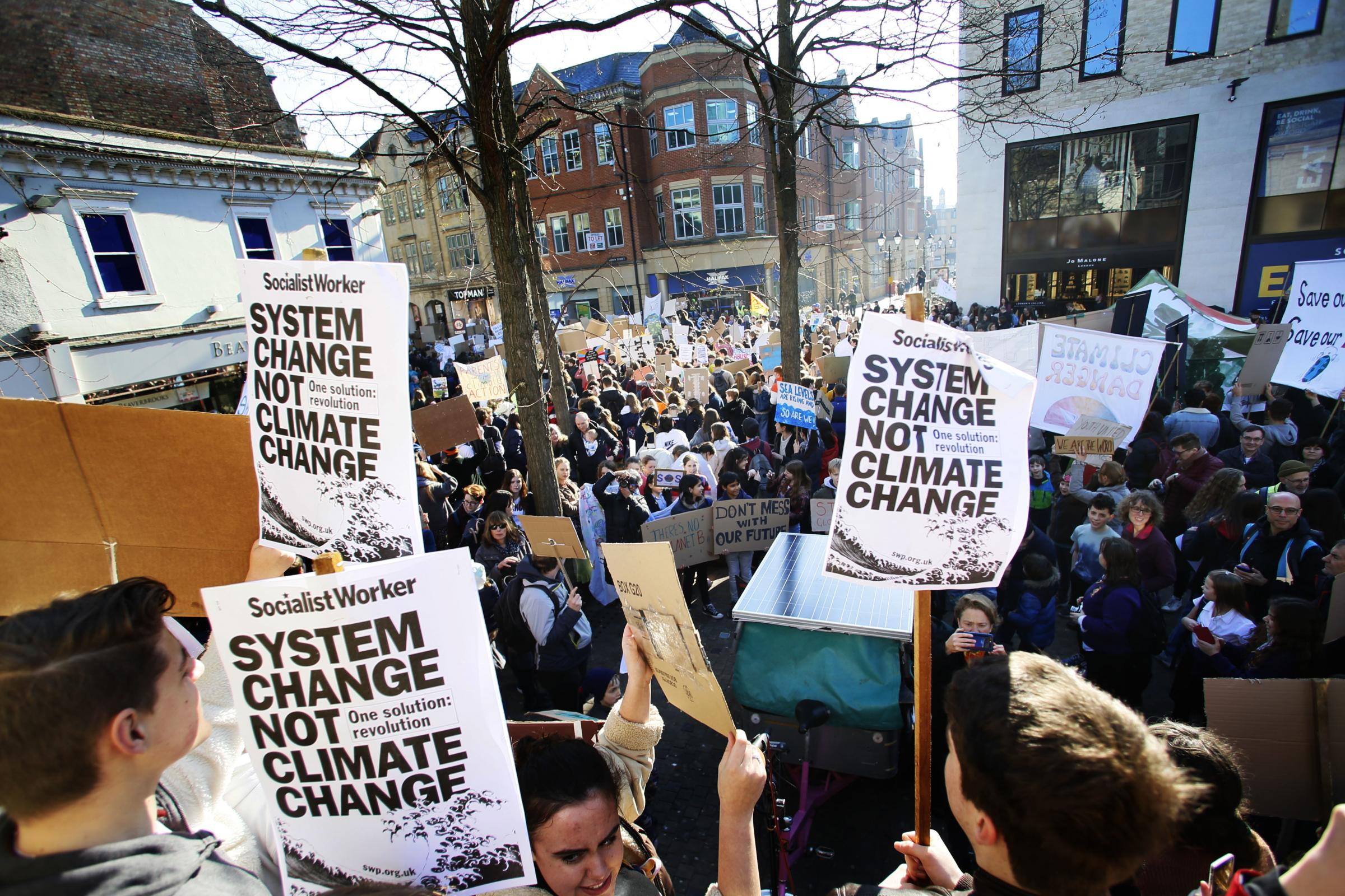 School strikes Oxford: Parents For Future back climate walkouts