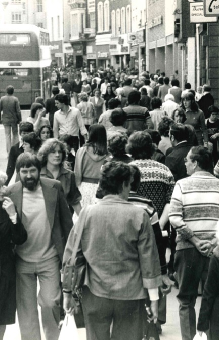 Shoppers in Queen Street 1979