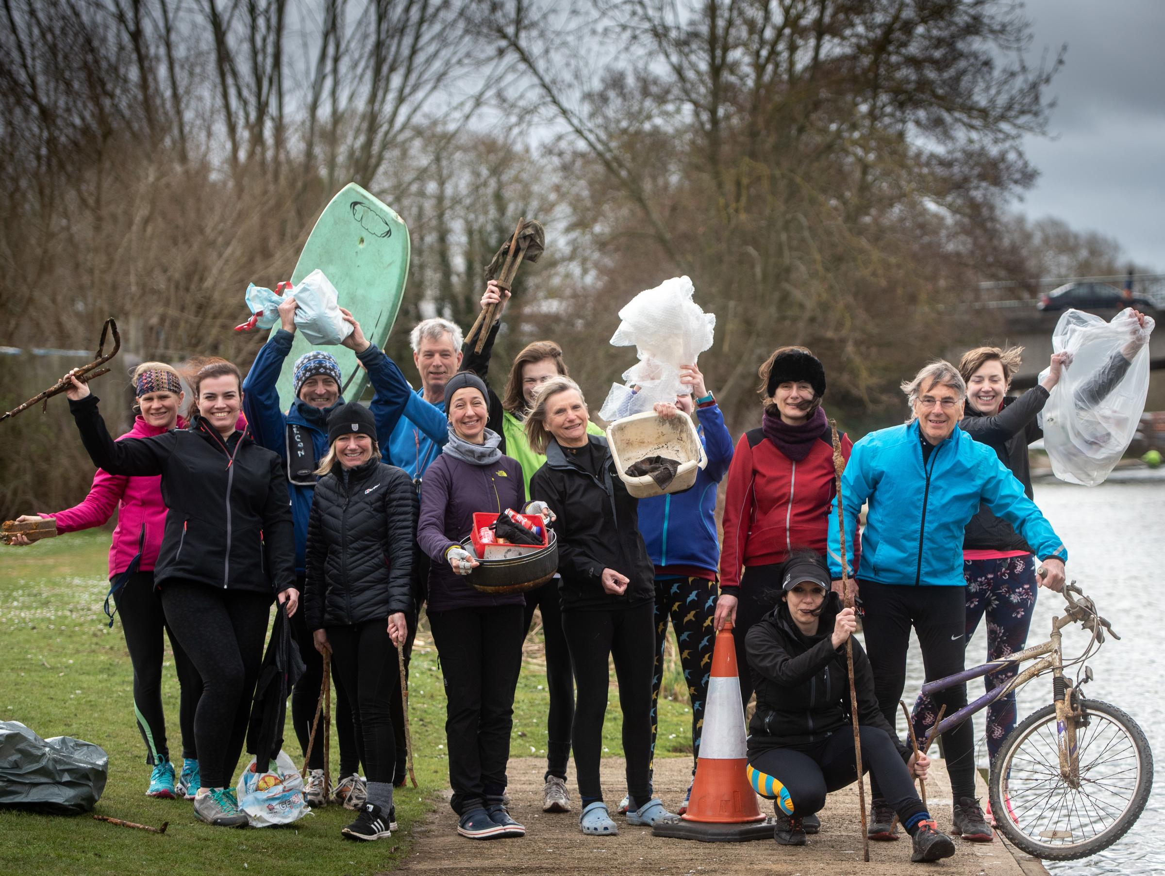 Falcon Rowing Club pull 50 bags of rubbish from Oxford river