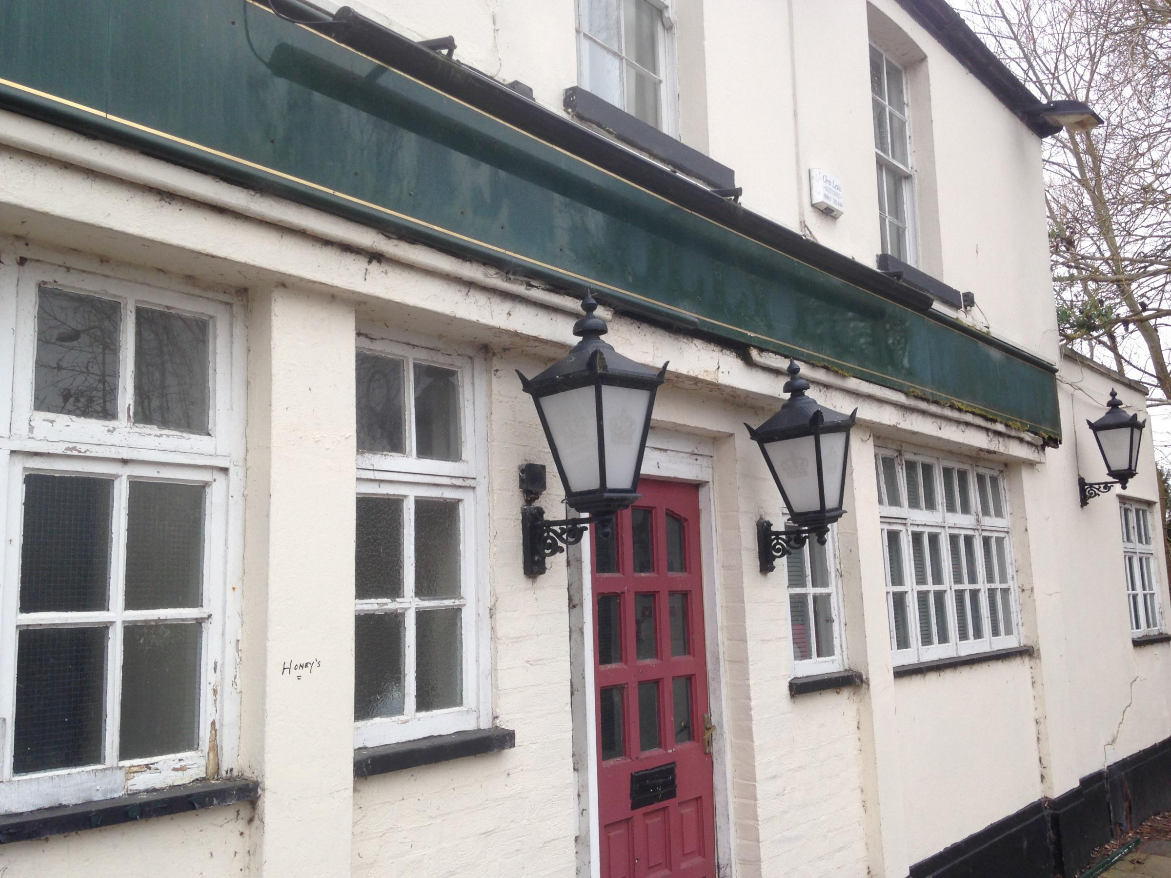 When will Holly Bush pub in Oxford reopen?